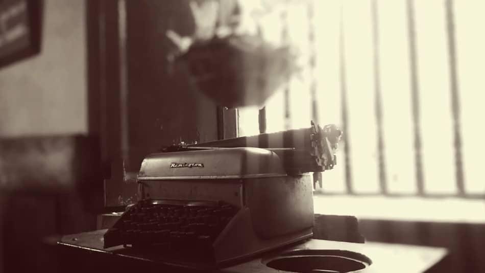 بازنویسی رمان یا مچگیری از خود در فرایند نوشتن داستان