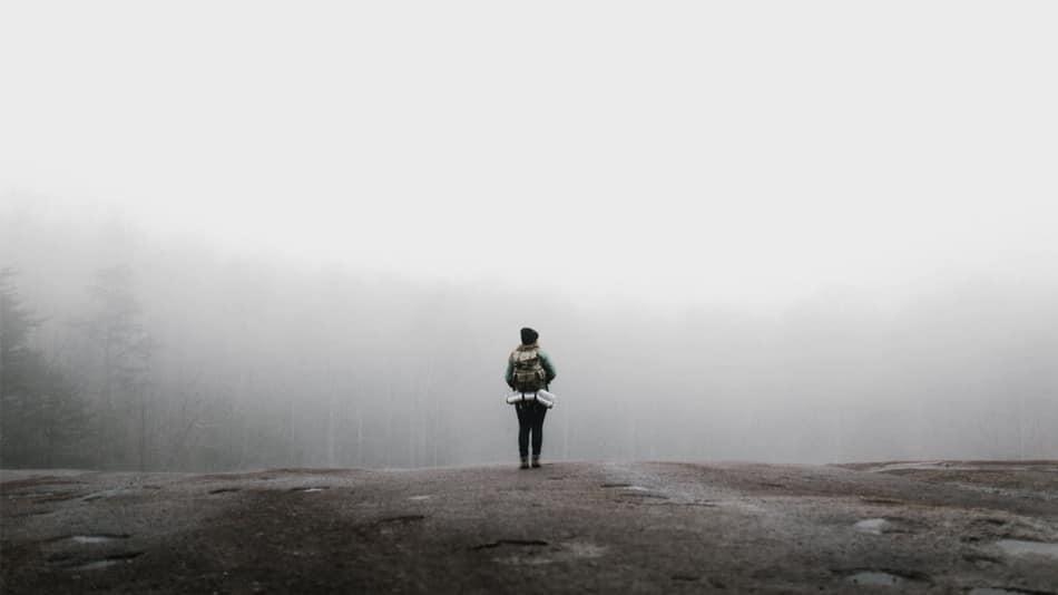 احساس تنهایی درمانناپذیر بشر در عصر ارتباط بیمرز