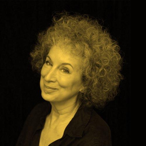 مارگارت آتوود شغل نویسنده قبل از شهرت پیشخدمتی در کافه بود